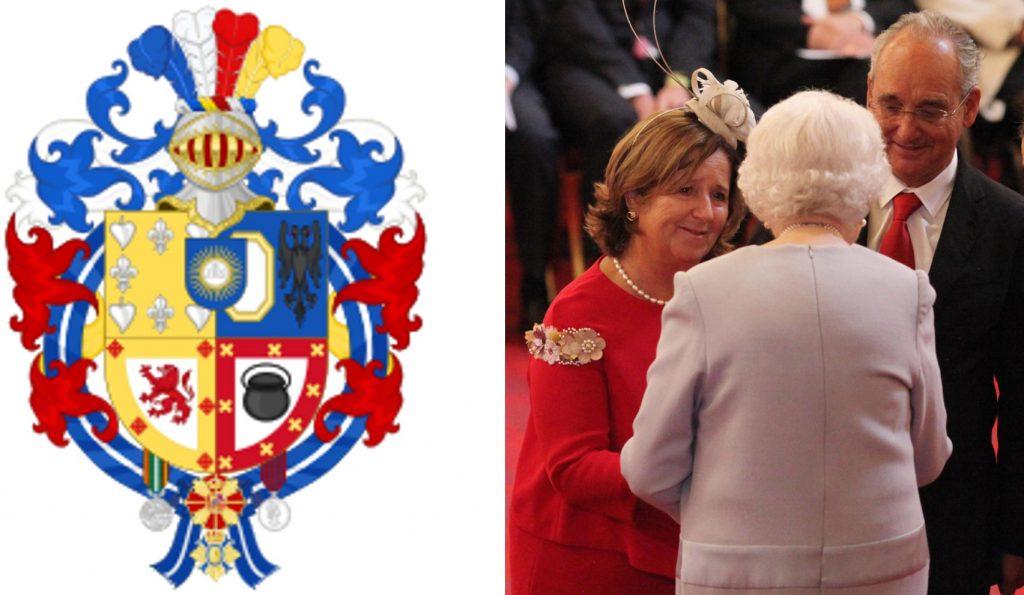 Escudo con las condecoraciones españolas y británicas de Ignacio Echeverria y sus padres con la Reina Isabel II de Inglaterra